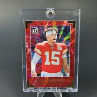 Patrick Mahomes SILVER LIGHTING HOLO CHIEFS OPTIC PRIZM - INVESTMENT - MINT