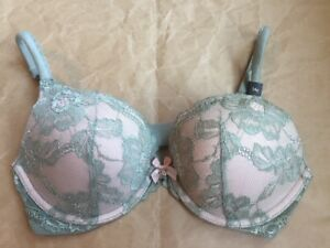 VICTORIAS SECRET Push Up BRA Size: 34C New SHIP FREE Body by Victoria Green Lace