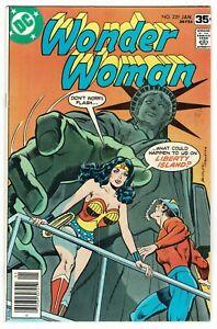 Wonder Woman - No 239 - 1978 NICE COPY!