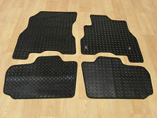 Nissan Leaf (2014-2017) Fully Tailored RUBBER Car Mats in Black.