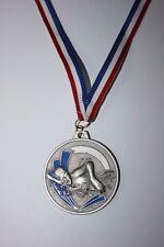 Médaille NATATION Métal Argenté avec ruban Tricolore Ø 50 mm poids 30 gr NEUF