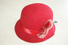 Chapeau rouge neuf 57 cm