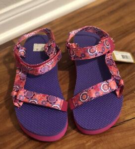 New Girl's sz 5 TEVA Floral Pattern Hi-Rise Universal Sandals Pink Women Sz 6.5