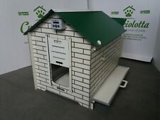 chicken coop for 6 hens in Hpl laminate for garden for educational farm washable