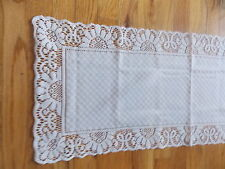 HERITAGE LACE WHITE CANTERBURY TABLE RUNNER NWOT ITEM 7041
