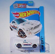 WHITE Ford Mustang GT Concept Sheriff Police Car. CFL44. HW City ~ 2015. NEW!