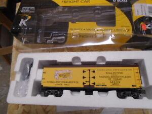 K-Line K742-8011 McLhaney Cream Refrigerator Car LN/Box