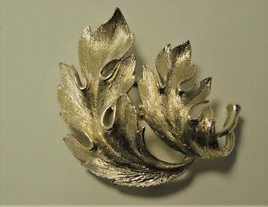 Vintage Lisner Brooch Pin  Textured Shiny Gold Tone Leaf Leaves