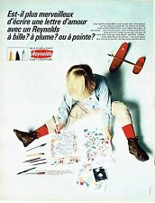 Publicité Advertising 047  1968  le stylo bille à plume à pointe Reynolds