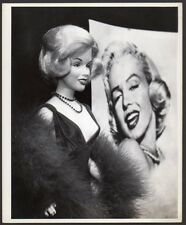 Photo of MARILYN MONROE DOLL prototype 1983 VINTAGE ORIG PRESS PHOTO 8x10