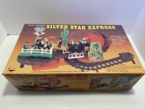 Vintage Silver Star Express Battery Operated Train Set Toys 70's 80's NO.4035