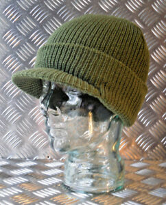 Green Peak / Peaked Beanie Hat / Radar Cap - One size - BRAND NEW
