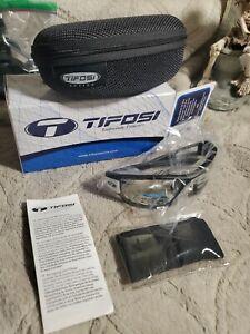 Tifosi Optics Dolomite 2.0, Black/White Fototec Sunglasses