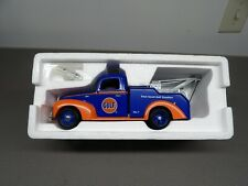 ERTL Collectibles  Gulf  1940 Ford WRECKER 1999  #19656 1/25 scale MINT
