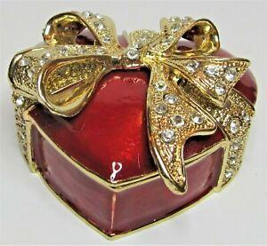 From Arora - Craycombe Christmas Trinkets - HEART Shaped Xmas Box