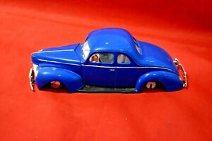 AMT 1940 Ford Coupe Junkyard Car 1/25