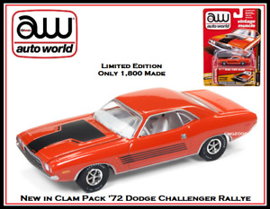 Johnny Lightning New 1/64th Die Cast Car '72 Dodge Challenger By Auto World