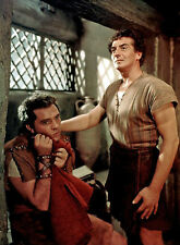 PHOTO LA TUNIQUE - RICHARD BURTON & VICTOR MATURE  /11X15 CM #5