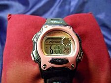 Woman's Sport Watch with Black & Pink Band **Nice** B23