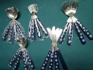 STAINLESS FLATWARE SET BLUE CHRISTMAS HANDLE DESIGN IN TIN BOX NEW 20 PCS