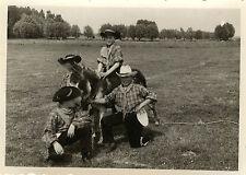 PHOTO ANCIENNE - VINTAGE SNAPSHOT - ENFANT DÉGUISEMENT COWBOY ÂNE DRÔLE - CHILD