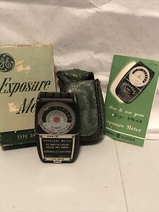 general electric exposure meter DW-68 with box, pouch and instruction manual