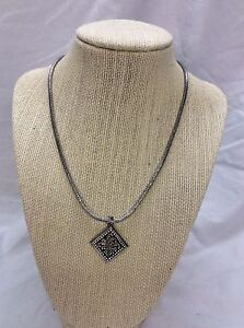Beautiful Lois Hill Bali Indonesia sterling 925 Ornate Pendant Toggle necklace