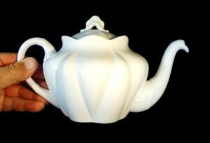 Beautiful Shelley Dainty White Teapot