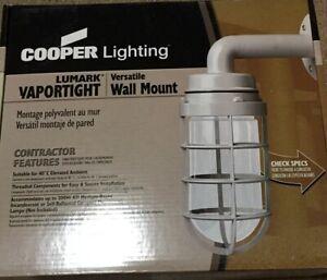 COOPER Lighting Industrial Outdoor Vaportight Wall Mount Light 200 Watts ICVW1G