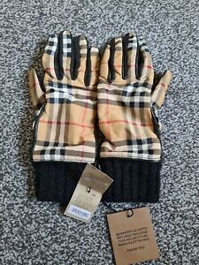 BNWT Burberry Ladies Leather Gloves