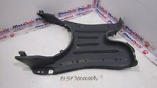 Plastica pedana centrale Center footboard Piaggio Vespa 50 LX 4T 98 05