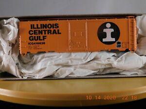 Accurail HO Scale 40' Box Car Illinois Central Gulf