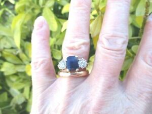 ANTIQUE/VINTAGE 18CT GOLD   TRILOGY SAPPHIRE & DIAMOND  RING SIZE N