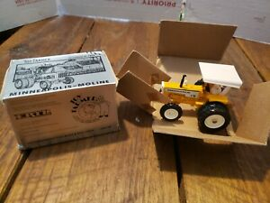 Ertl Toy Farmer Minneapolis Moline G-750 Tractor with Duals 1994  1:43
