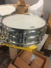 1976 ludwig super sensitive. Great player!