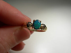 Lightening Ridge opal in Gold Ring (Lot 2222)