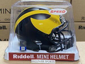 Michigan Wolverines - Riddell NCAA Speed Mini Helmet