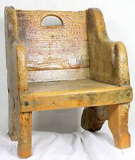 Pièce de musée, fauteuil ou chaise taille enfant 16° ,17° ou 18° siècle