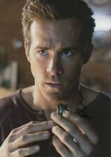 Ryan Reynolds Autographe Signed 20x30 cm image