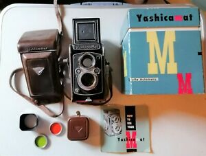 used yashica mat camera TLR 2x2 + lens hood and filters and original box