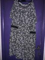 NEW LOOK INSPIRE BLACK AND WHITE DRESS SIZE 26