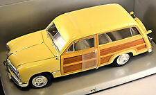 Ford woody Wagon 1949 crema 1:18 motor City Classics