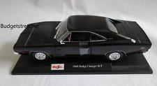 MAISTO 1:18 Scale Diecast Model Car - 1969 Dodge Charger R/T - Black