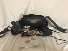 JVC GR-AX404 Camcorder 12X  Digital video Camera, Case & Battery Charger Lot