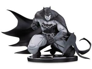 DC Comics Batman Black & White Joe Madureira (Joe Mad) Statue