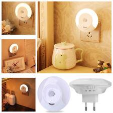 Steckdosen-Lampe LED Treppen-Leuchte Nacht-Licht Bewegungsmelder Sensor Warmweiß