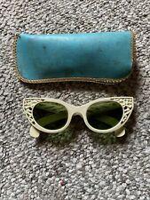 Vintage Cool Ray Polaroid 72 Styled Cat-Eye Sunglasses