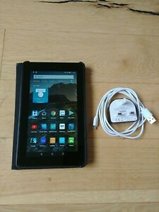 "Amazon Kindle Fire 7"" 2015 5th Generation Tablet bundle with case and charger"