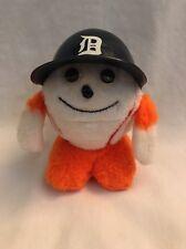 Detroit Tigers-toy stuffed ball with mini helmet