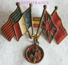 INS086 - INSIGNE BADGE LIBERATION DRAPEAUX FRANCE ANGLETERRE USA URSS